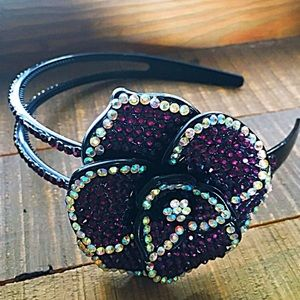 Accessories - NWT purple headband.